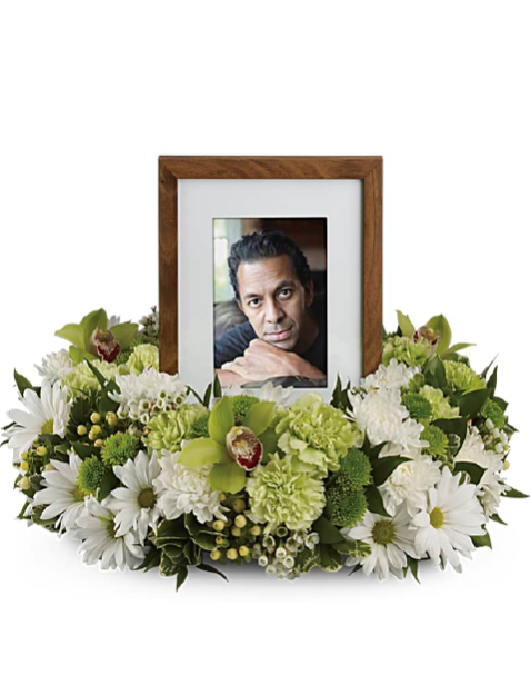 Picture of Garden Wreath Photo Tribute